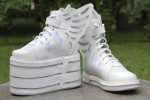 """Светящееся кроссовки с крылышками """"Белый дракон"""""""